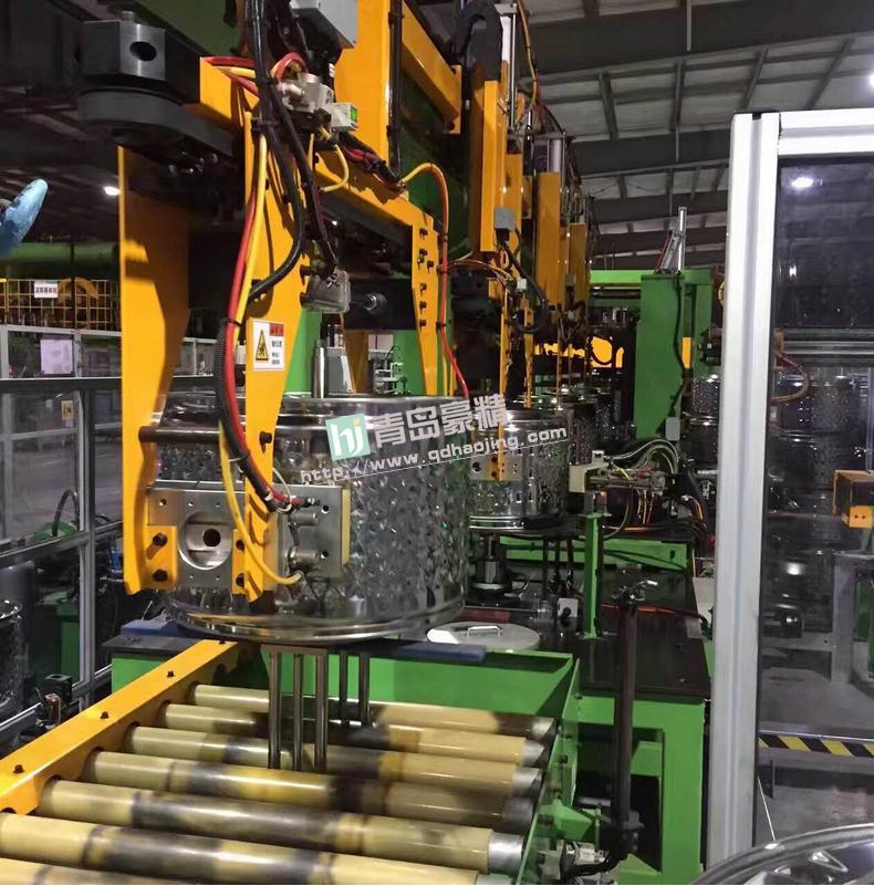 智能点焊生产线在滚筒式洗衣机的生产点焊现场