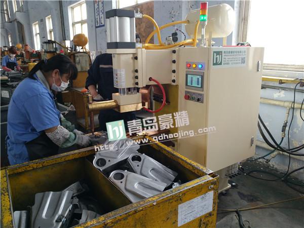 五菱汽车供应厂商使用青岛豪精点焊机