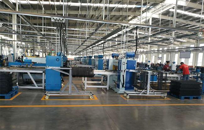 青岛豪精为国内龙头企业,宠物笼出口商定制整厂电阻焊设备100余台